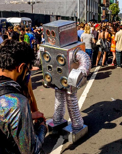 HowWeird Street Fair in San Francisco 2015/16 by Hsiebert