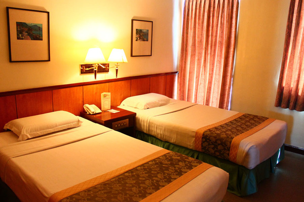 ILOILO Cheap ROOMS by Marie11