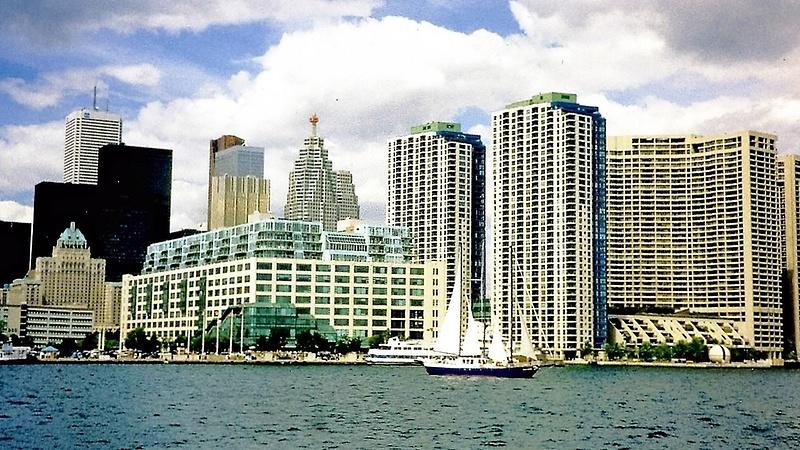 Waterfront_Toronto_1997_pe_(2)