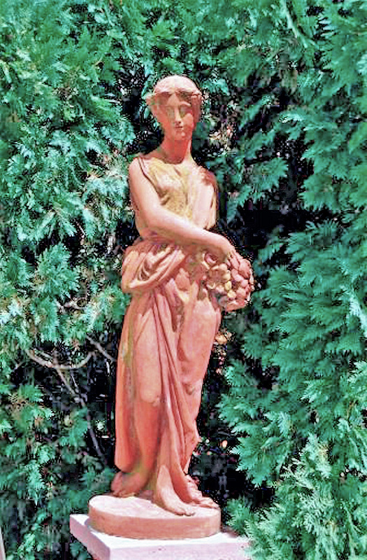 Cuneo Pink Statue A 8.02