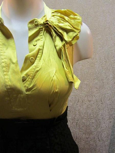 R-04 Robe BCBG (taille 0/ XS) 40$ by Mamzelle M.