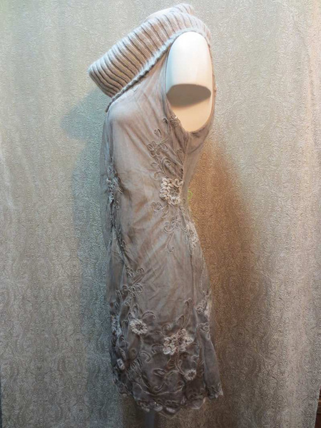 R-07 Robe en tricot (taille S/M) 45 $ by Mamzelle M.
