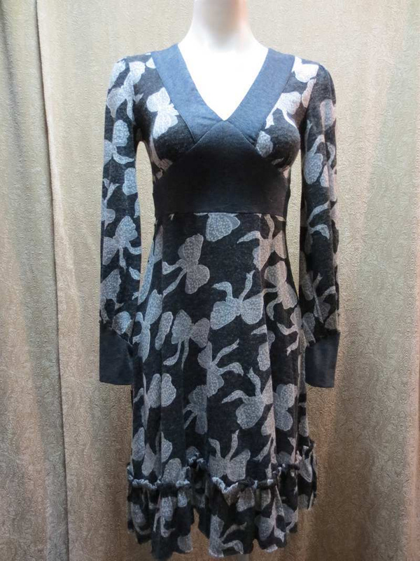 R-12 Robe Coco & Tashi (taille S) 45$