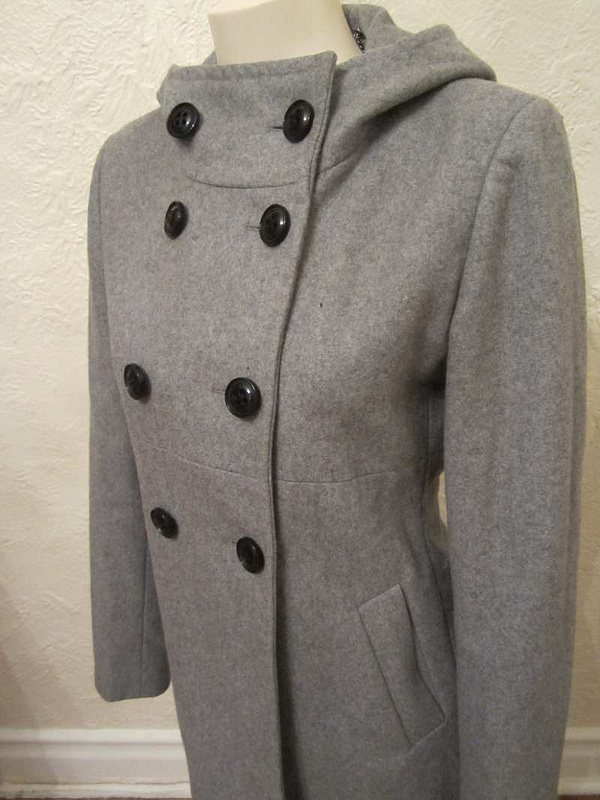 M-12 Manteau lainage DKNY (taille 6) 65 $