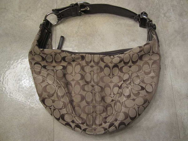 S-03 Sac COACH style hobo 45 $ by Mamzelle M.