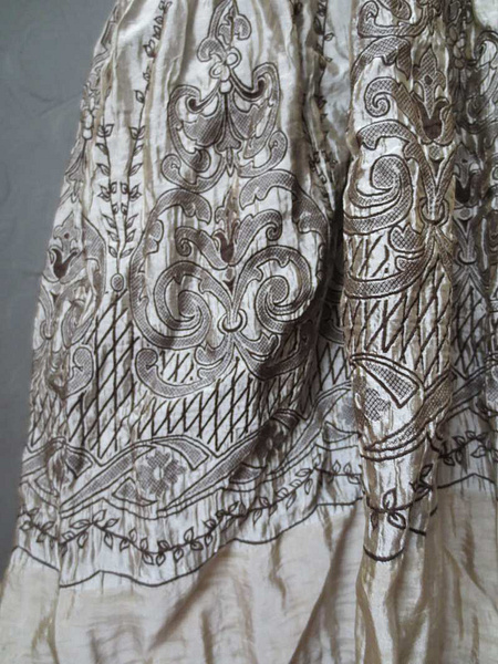 R-20 Robe argentée extensible Lapis (taille unique) 35 $ by Mamzelle M.