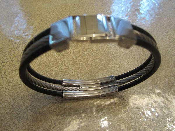 BR-01 Braccelet staniless 25 $ by Mamzelle M.