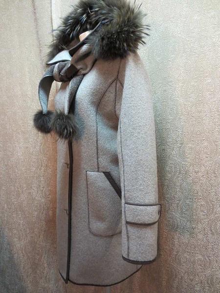 M-17 Manteau Epsilon avec capuchon et foulard intégrés en poil de renard(taille XS, mais fait S/M) 95$ by Mamzelle M.