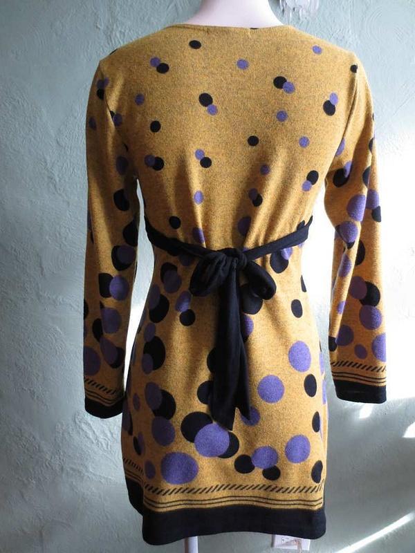 R-42 Robe Coco & Tashi à pois (taille M) 45$