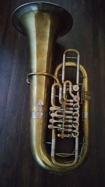 B&S Symphonie by TheHatTuba