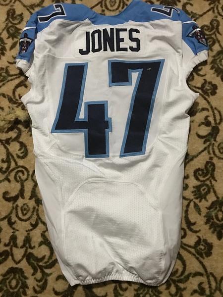 Greg Jones Tennessee Titans by JasonPerlman