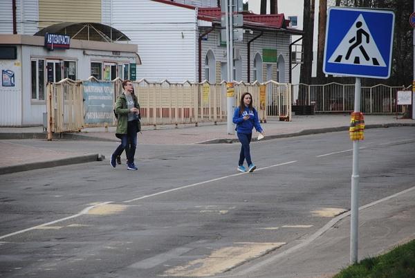 'Степной оазис', ул. Связистов, 1 / ул. Карвата, 14 by Maria Dzeshchanka