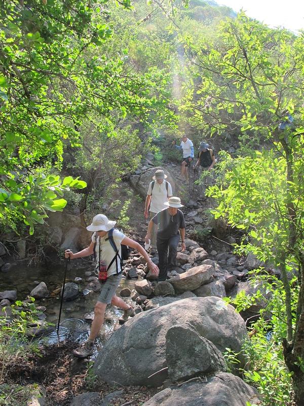 Crossing the cayon stream