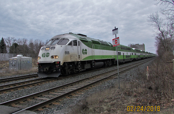 METROLINX-GO by RobertArcher
