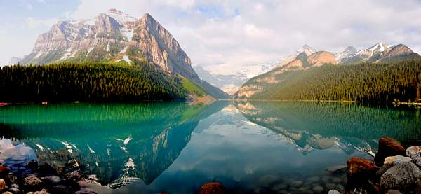 Lake_Louise_Panorama_-_Full_Size