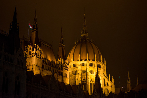 Budapesht 2013 by Muzzyenn