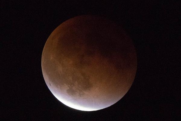 2015Sept Lunar Eclipse by Willis Chung