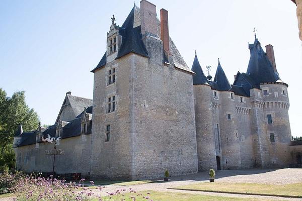 Château de Fougères-sur-Bièvre by MartinBishop