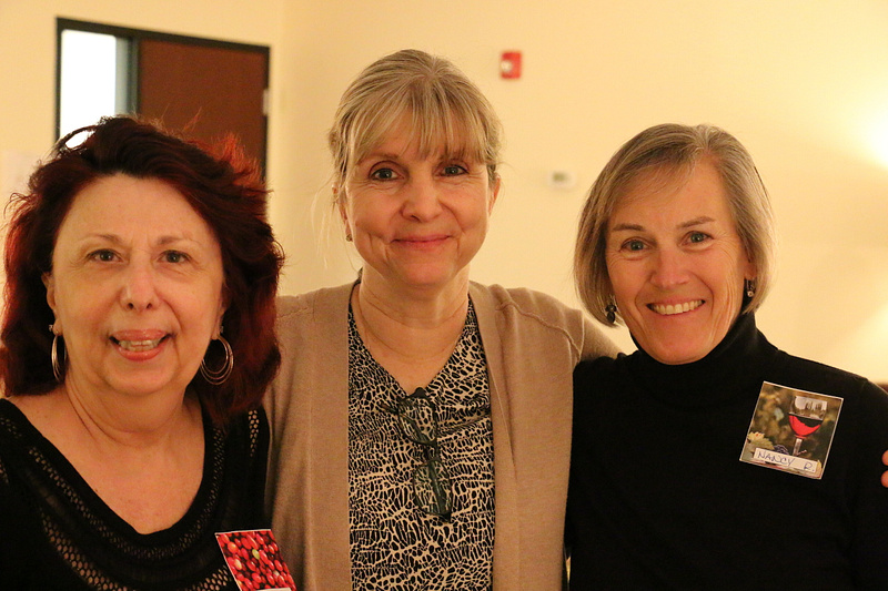 Ginny, Terri and Nancy getting ready for the Potluck