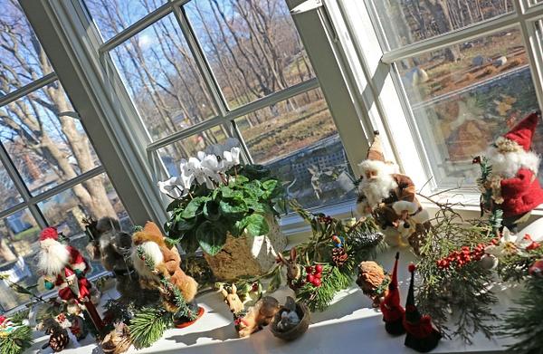 Georgia's Bay Window Santas and Elves