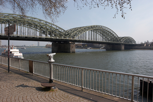 Cologne by Vladyslav Kucheruk