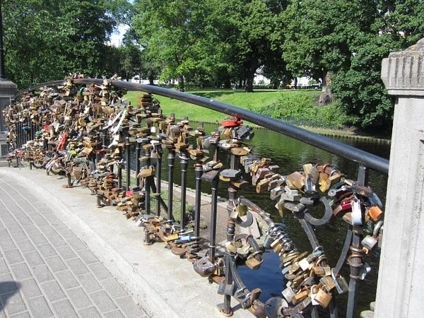 Le Pont 'Des amoureux' by Clarissa