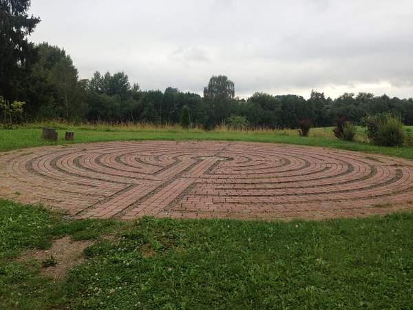 Labyrinth in Krimulda 222