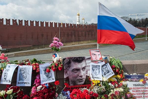 2015_04_Сегодня на Немцовом мосту by Anatoly Strunin