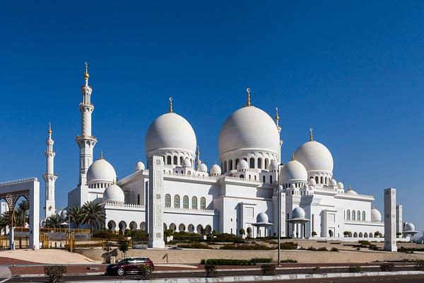 Abu Dhabi, Emirates, Sheikh Zayed Mosque by Eugene Osminkin