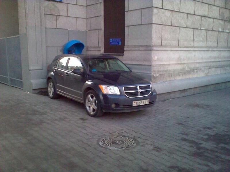 32_ул._Энгельса_4-6,_парковка_на_тротуаре