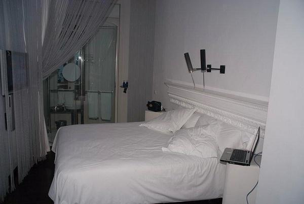 Hotel_Room_1 by jimsimp3
