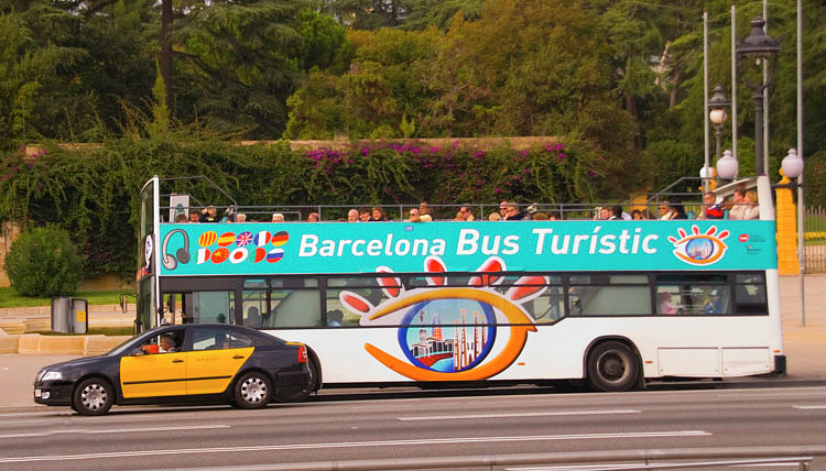 12-2_Barcelona_Tour_Bus.jpg