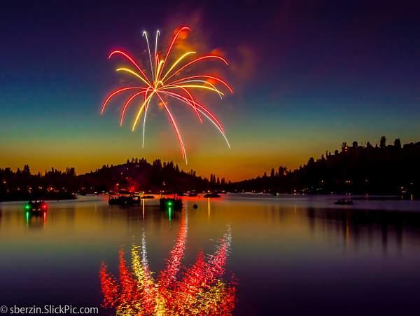 PineMountainLake Fireworks 222