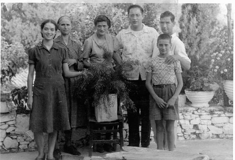 Nikko visits Tseria in 1952