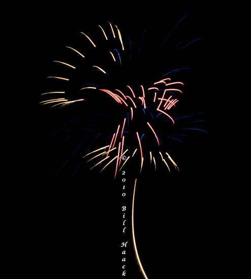 94_DSD0090_July_4th_Fireworks_Chesterfield_016_550px_070510.j 222