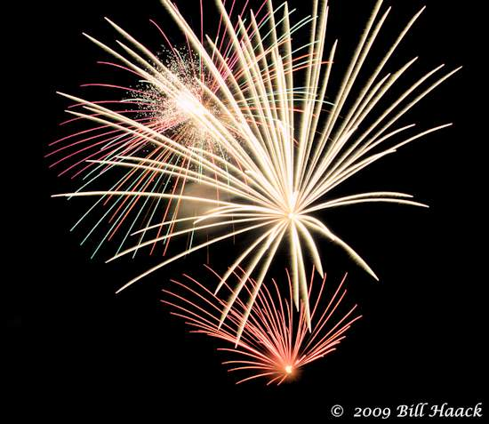 _DSD3806_4th_Fireworks_Chesterfield_022_070409 222