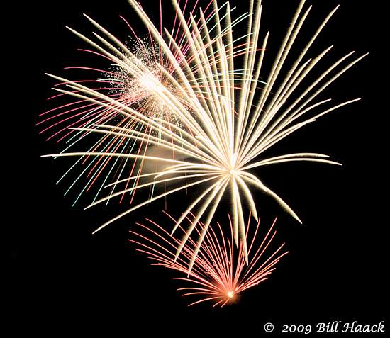 _DSD3806_4th_Fireworks_Chesterfield_022_070409