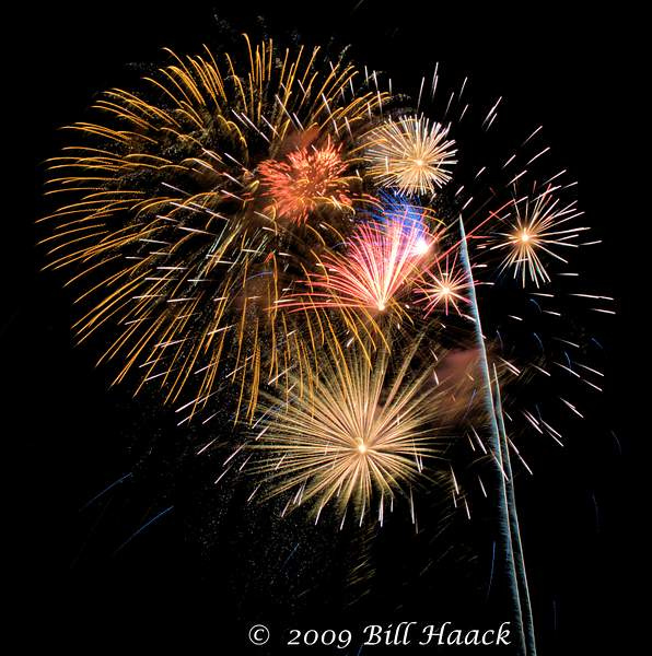 _DSD3864_4th_Fireworks_Chesterfield_034_070409 222