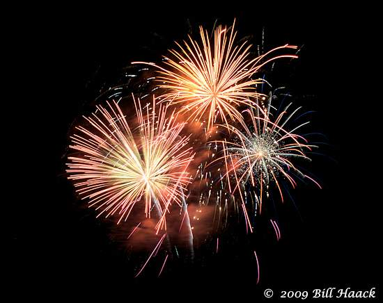 _DSD3865_4th_Fireworks_Chesterfield_035_070409 222