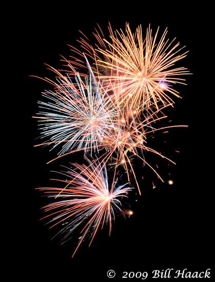 _DSD3935_4th_Fireworks_Chesterfield_062_070409 222