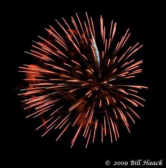 _DSD3753_4th_Fireworks_Chesterfield_014_070409