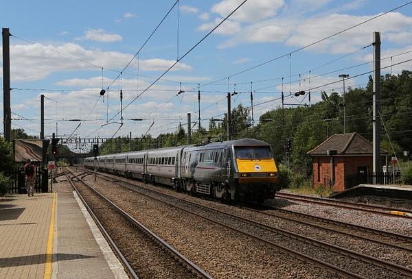 Class 91 Electric and Class 82/2 DVT by AlanHC22