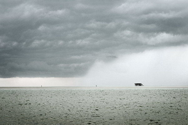 Lonesome Home by titusbartos