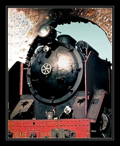 Spain-Locomotive 222