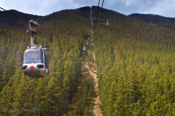 Sulphur Mountain Gondola-1 222