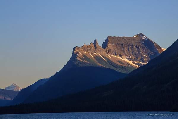 Sawtooth Mountain Waterton Lake 222