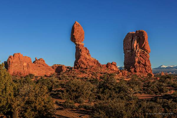 Balanced Rock Area- Arches NP-2 222