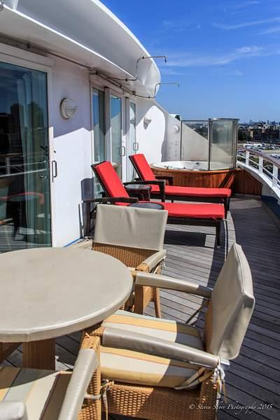 Stateroom Balcony on the Norwegian Sun 222