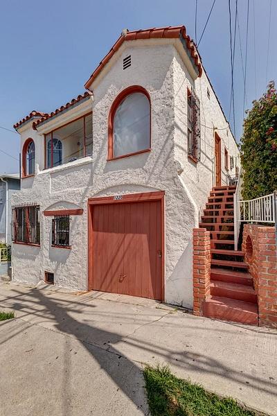 1220 N Ave 49 Los Angeles CA-large-005-14-TayBob0016Upload31-667x1000-72dpi by Cheryl90042