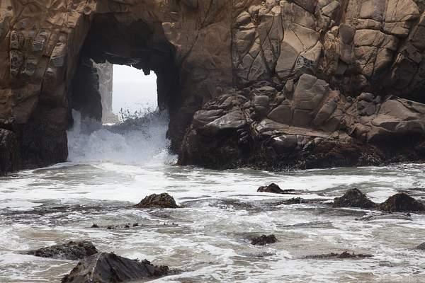Wave is Coming in Big Sur.jpg 222